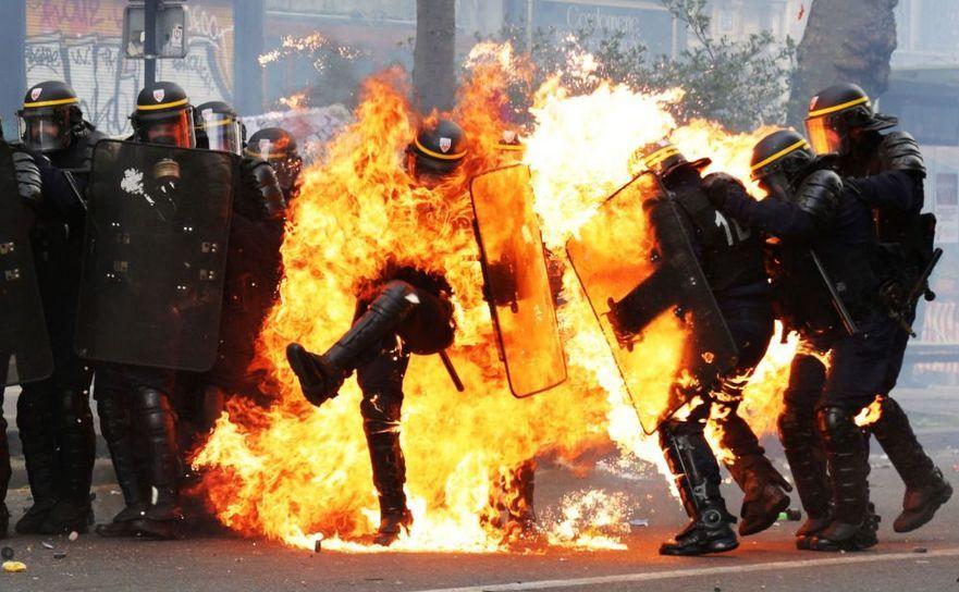 """Logici Falimentare – """"Nu mă duc la protest, că protestele fără violență nu rezolvănimic"""""""